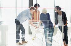 Mitarbeiter/innen im Produktmanagement - Bereiche Holzbau und Handel