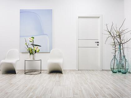 Die Eigenmarke Eurowood bietet ein umfangreiches Bodensortiment samt Zubehör, Türen und Platten.