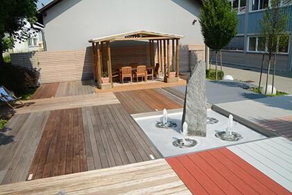 Ausstellungsfläche Terrassenholz