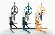 plasticpreneur Recycling Maschinen aus nachhaltigem Sperrholz von Frischeis