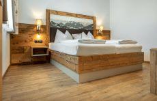 Der Vinylboden von Quick-Step überzeugt mit optischer Perfektion und funktionalen Eigenschaften in den Tiroler Echt Woods Appartements.