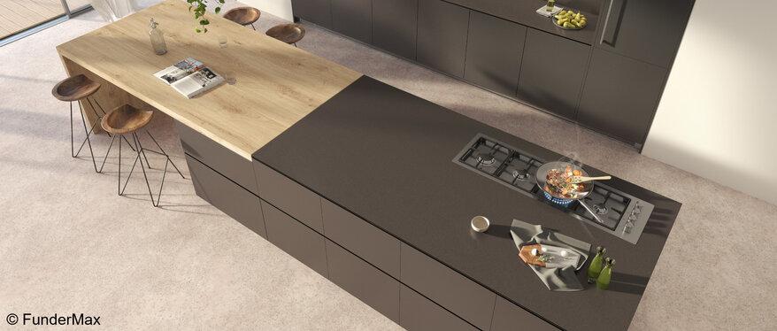 Compact Arbeitsplatten sind ideal geeignet für den hochwertigen Einsatz in modernen und eleganten Küchen.   © FunderMax